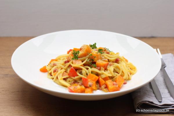 Spaghetti mit Kürbis-Carbonara