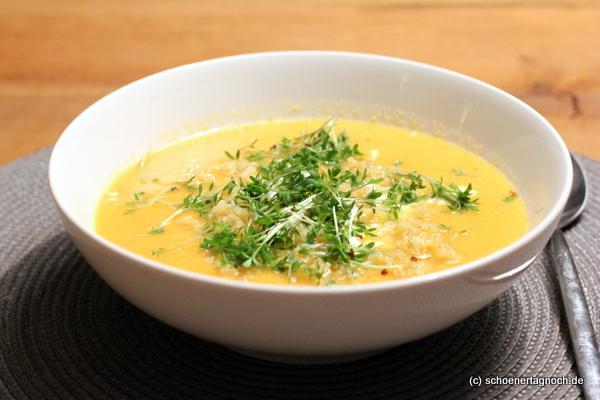 Gelbe Linsen-Karotten-Suppe mit geröstetem Quinoa, Feta und Kresse