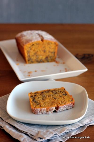 Möhren-Walnuss-Kuchen mit Ingwer in der Kastenform