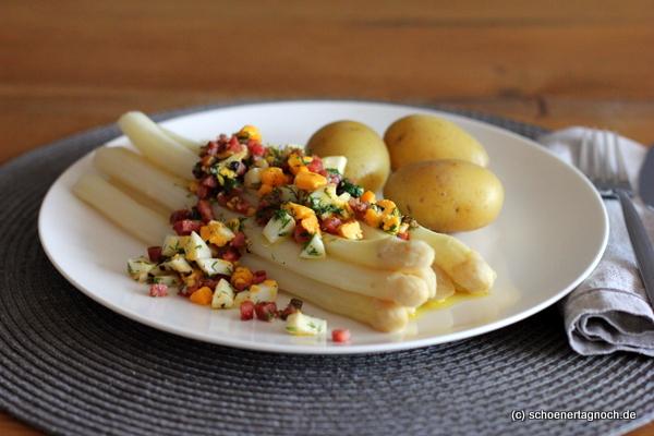 Spargel, Dill, Speck, Ei und neue Kartoffeln