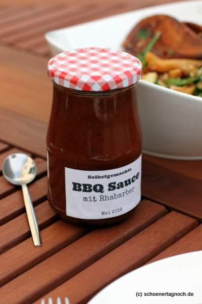 Selbstgemachte BBQ-Sauce mit Rhabarber