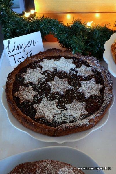 Linzer Torte auf Kuchenbuffet
