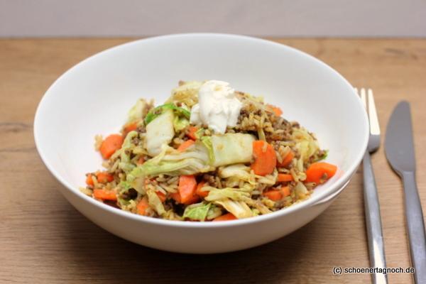 Hack-Chinakohl-Pfanne mit Reis