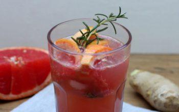 Sommerdrink: Grapefruit-Rosmarin-Tonic (alkoholfrei)