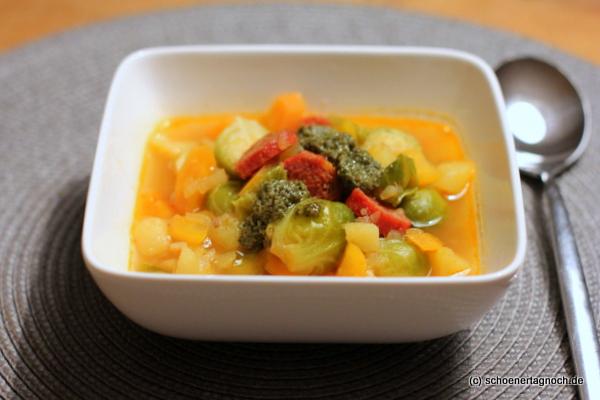 Rosenkohl-Eintopf mit Chorizo und Pesto [Büro-Lunch]