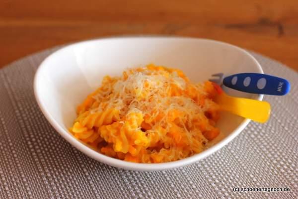Fussili mit sahniger Kürbis-Sauce [Essen für Kleinkinder]