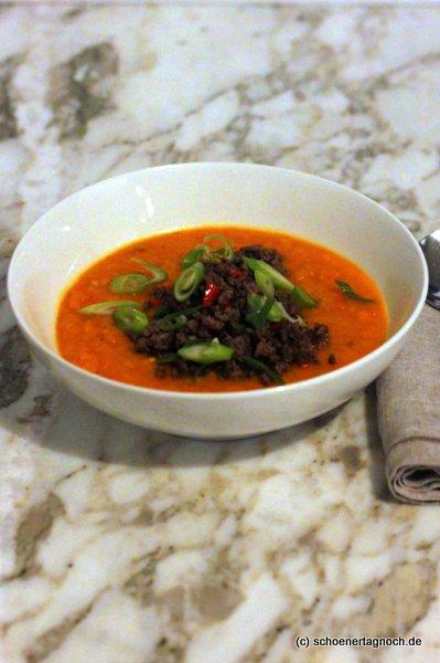 Süßkartoffel-Kürbis-Suppe mit Chili-Hackfleisch