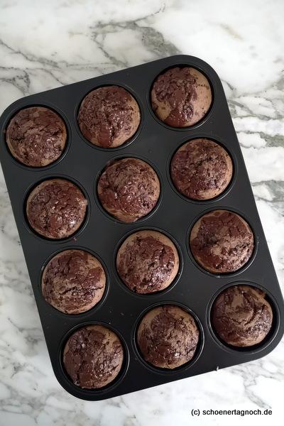Saftige Schokoladenmuffins mit Schoko-Stückchen