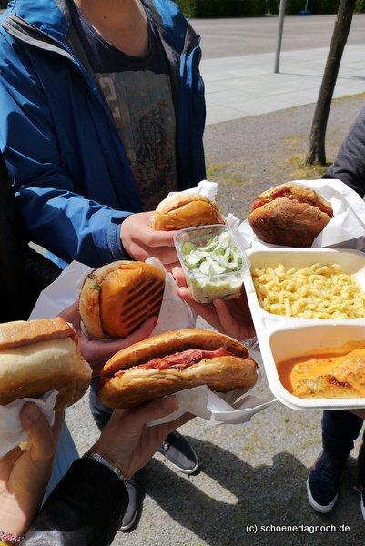 Pastrami-Sandwich, Burger, Leberkäsbrötchen und Tagesessen von der Metzgerei Brath in Karlsruhe