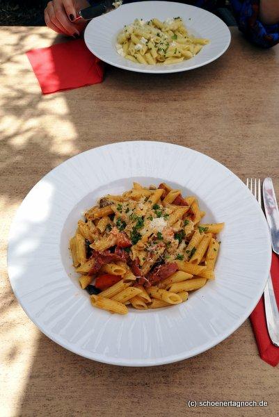 Pasta mit Mailänder Salami und Oliven im Mediterrané in Karlsruhe