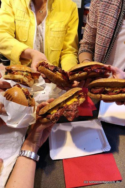 4 Pastrami-Sandwiches und 2 Burger in der Metzgerei Brath in Karlsruhe.