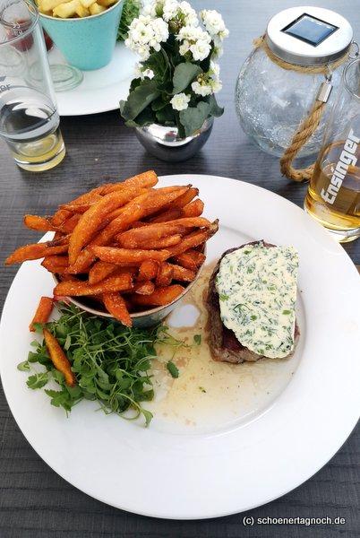 Rindersteak mit Kräutberbutter und Süßkartoffel im Clubrestaurant Golfclub Bad Liebenzell