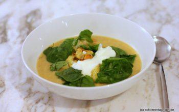 Kichererbsen-Suppe mit geröstetem Blumenkohl und Babyspinat