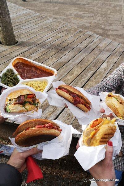 Pastrami-Sandwich, Burger, Wutze-Burger und Rindergulasch mit Spätzle und grünen Bohnen von der Metzgerei Brath in Karlsruhe