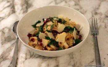 Nachgekocht: Pasta mit geröstetem Blumenkohl und Granatapfelkernen