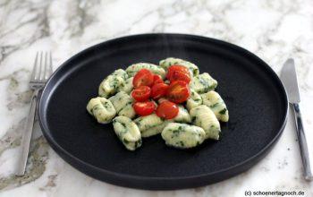Nachgekocht: Bärlauch-Ricotta-Gnocchi mit ofengerösteten Kirschtomaten