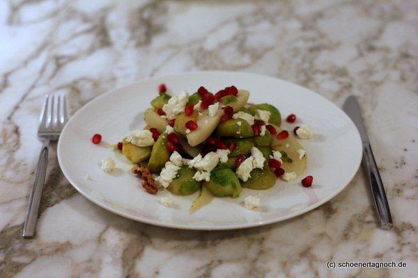 Rosenkohl-Birnen-Salat mit Feta und Walnüssen