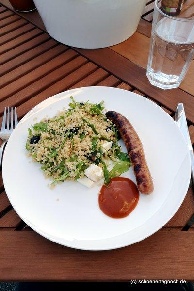 Couscous-Salat mit Rucola, Heidelbeeren und Feta, super zum Grillen