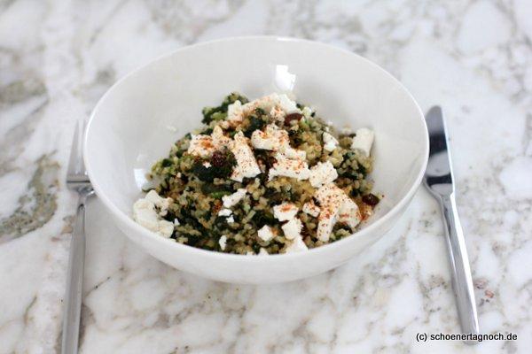 Spinat-Bulgur-Pfanne mit Feta und Rosinen, Essen für Kleinkinder