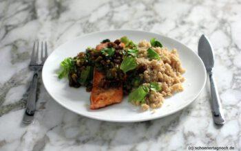 Gebratener Lachs mit Pinienkern-Oliven-Salsa und Couscous