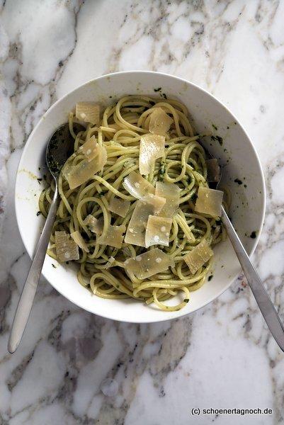 Spaghetti mit selbst gemachtem Bärlauch-Pesto