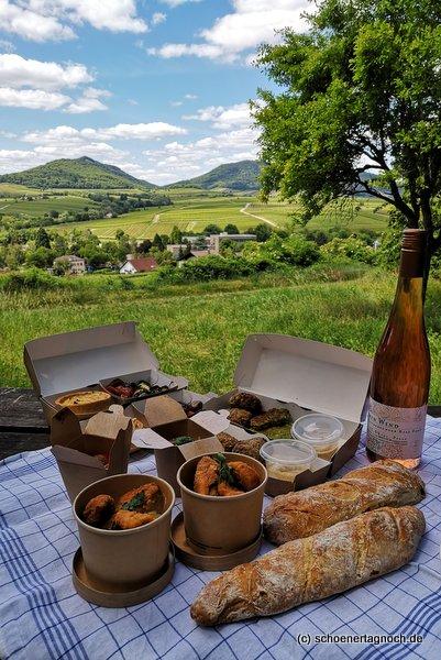Picknick auf der Kleinen Kalmit in Ilbesheim mit Picknickkorb vom Hubertushof in Ilbesheim