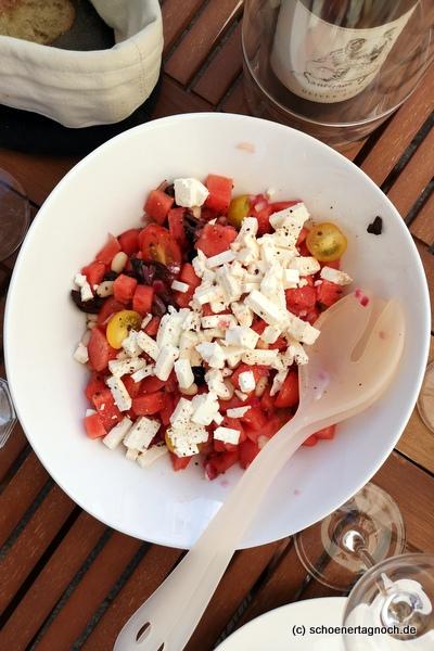 Wassermelonensalat mit weißen Bohnen, Kirschtomaten und Feta