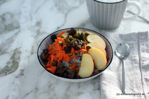 Zum Frühstück: Wärmendes Rüebli-Müesli mit Apfel und getrockneten Feigen
