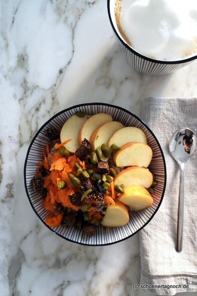 Rüebli-Müesli mit Apfel und getrockneten Feigen