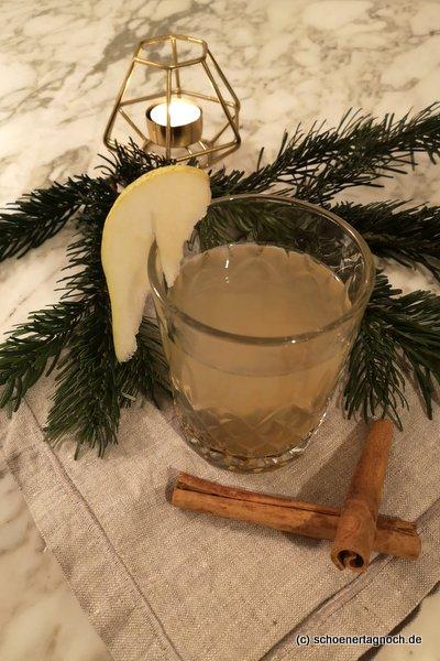 Winter Gin & Tonic mit selbstgemachtem Zimtsirup und Birnensaft