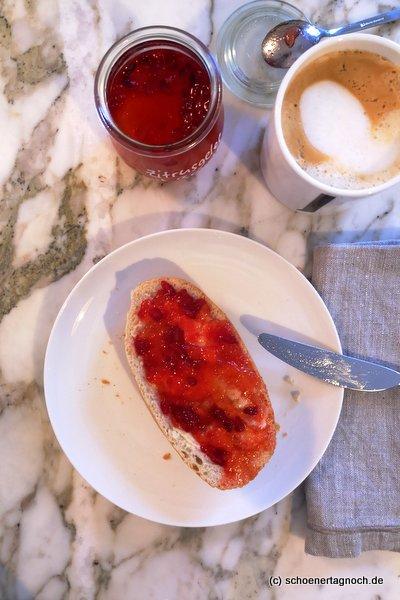 Zitrusgelee mit Granatapfelkernen, selbst gemachte Marmelade