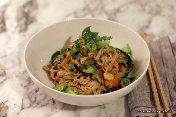 Schnelles veganes Pad Thai