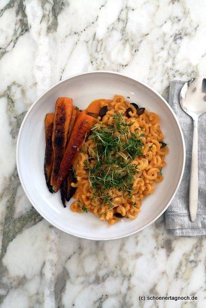 Gobetti mit Karotten-Ziegenfrischkäse-Sauce und gerösteten Currymöhren