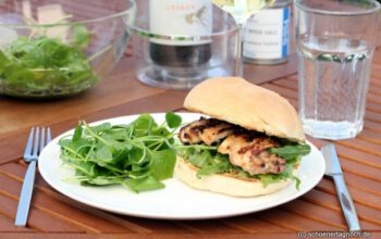 Buttermilch Chicken Burger mit Guacamole und Rucola