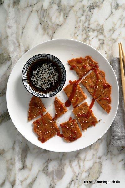 Kimchi-Pancakes mit Sojasaucen-Dip
