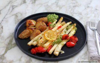 Ofenspargel mit Kirschtomaten, Kartoffeln und Rucola-Pesto