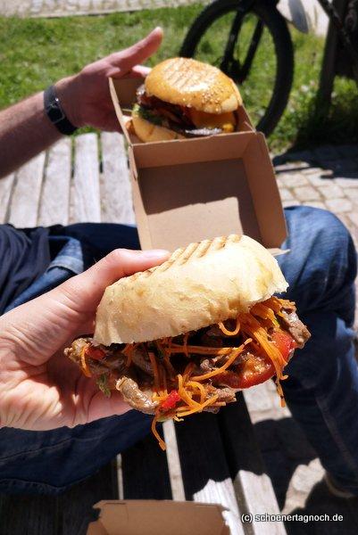 Gao Bao Burger mit Rindfleisch und Kimchi von der Metzgerei Brath in Karlsruhe