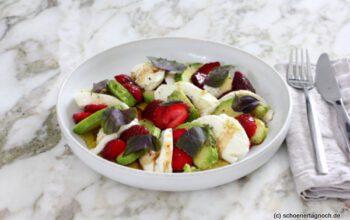 Erdbeer-Avocado-Salat mit Mozzarella