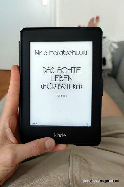 """Buch """"Das achte Leben (für Brilka) von Nino Haratischwili"""
