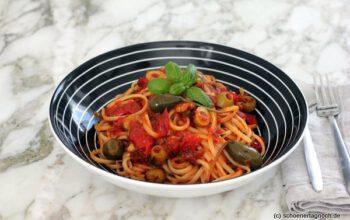 Pasta Celestiale mit Kirschtomaten und Kapern