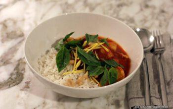 Thaicurry mit Hähnchen und Reis
